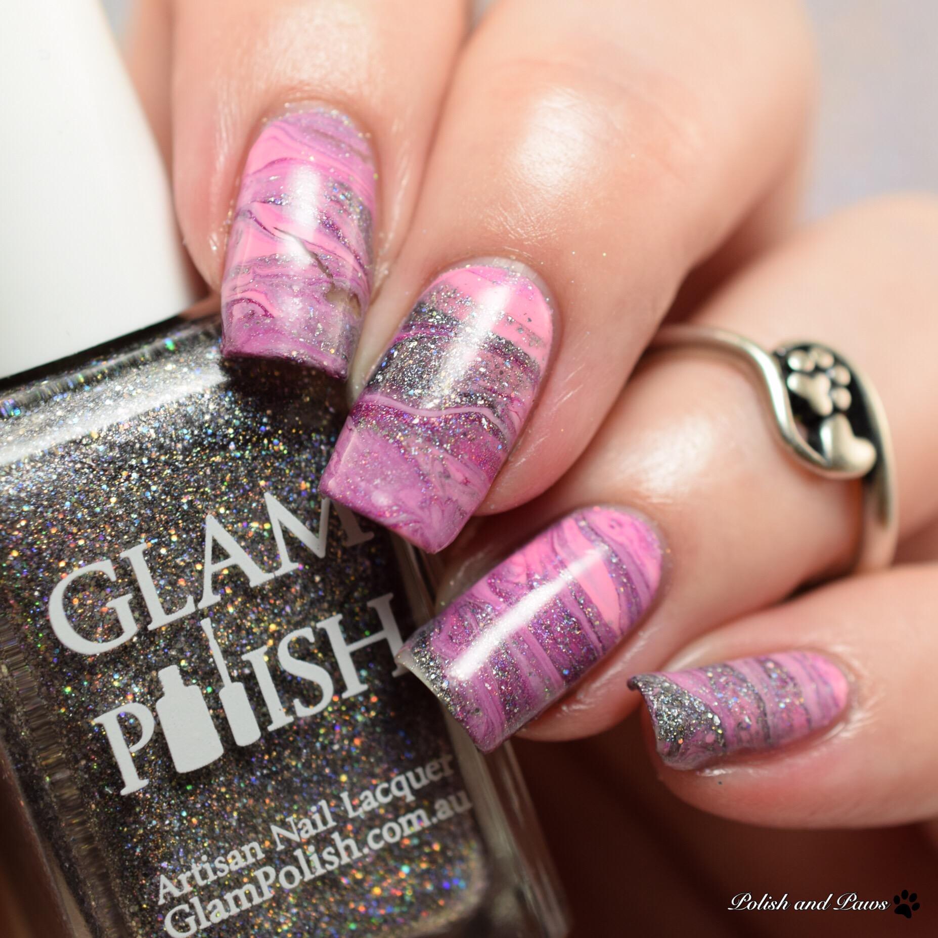 Drag Marble Nail Art Design