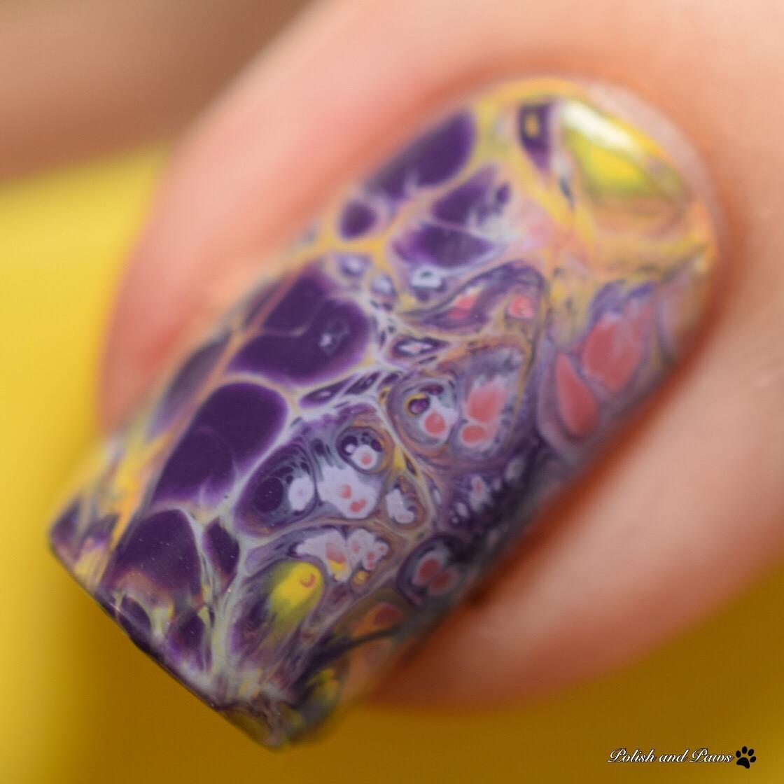 Fluidic Nail Art