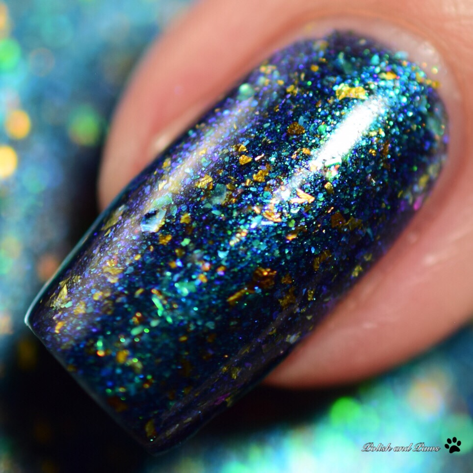 Bee's Knees Lacquer Resting Panther Face