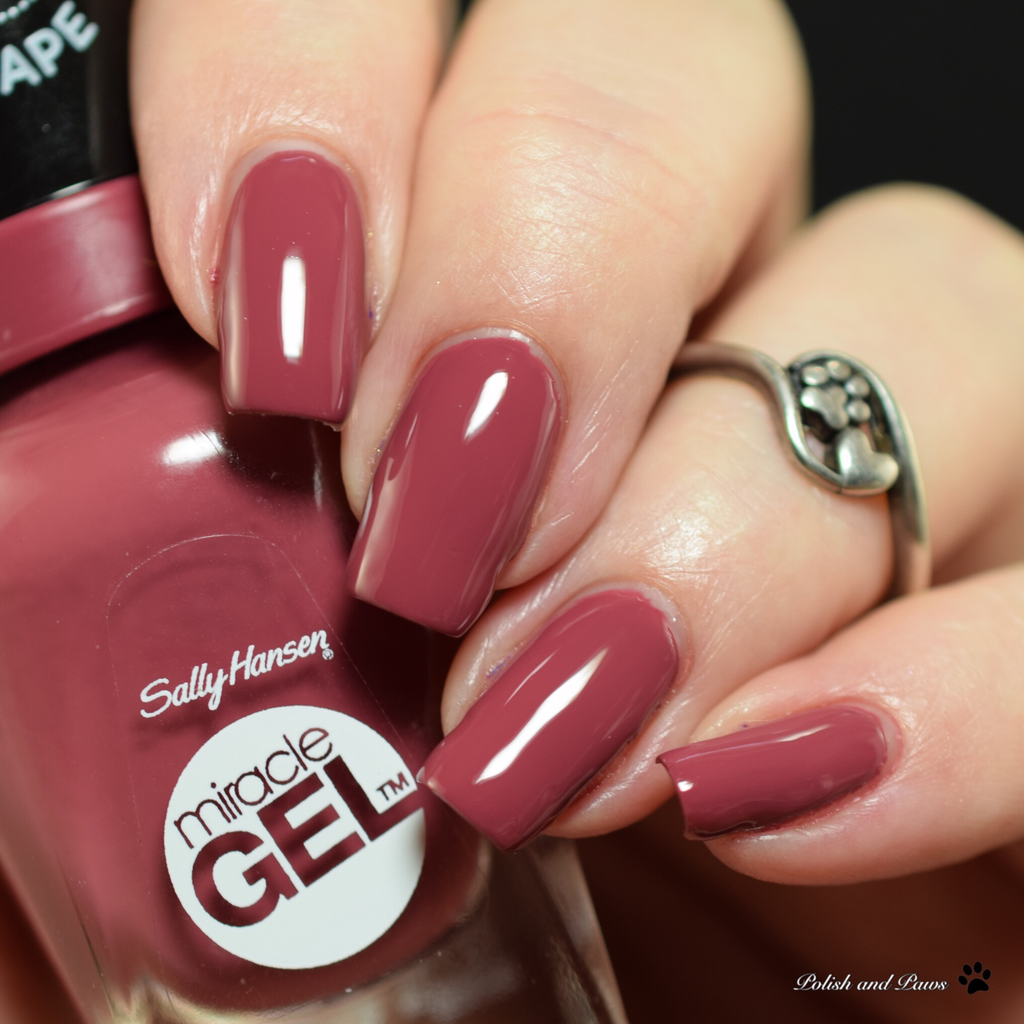 Sally Hansen Miracle Gel Beet Pray Love